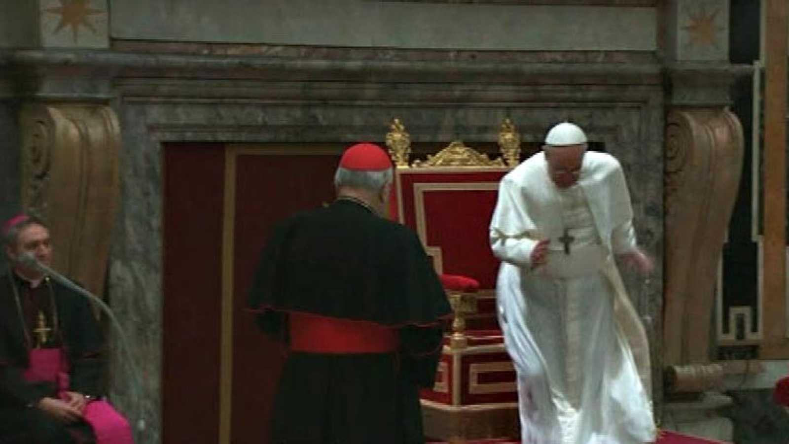 """El papa Francisco insta a los cardenales a no caer en el """"pesimismo"""""""