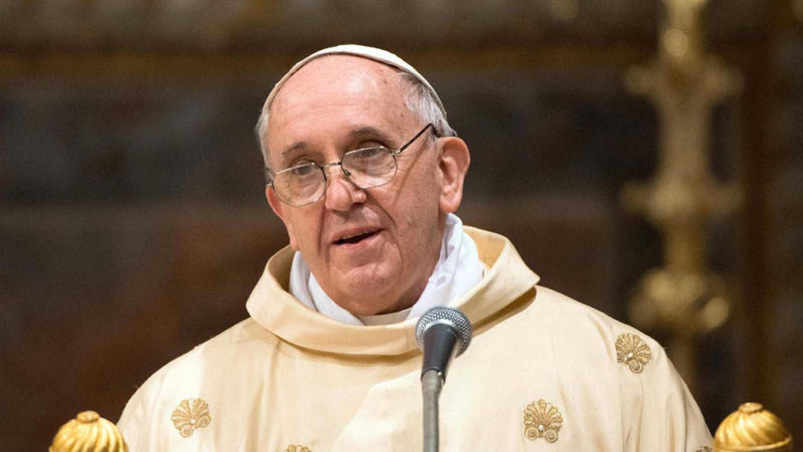 El papa pide a los cardenales que no caigan en el pesimismo