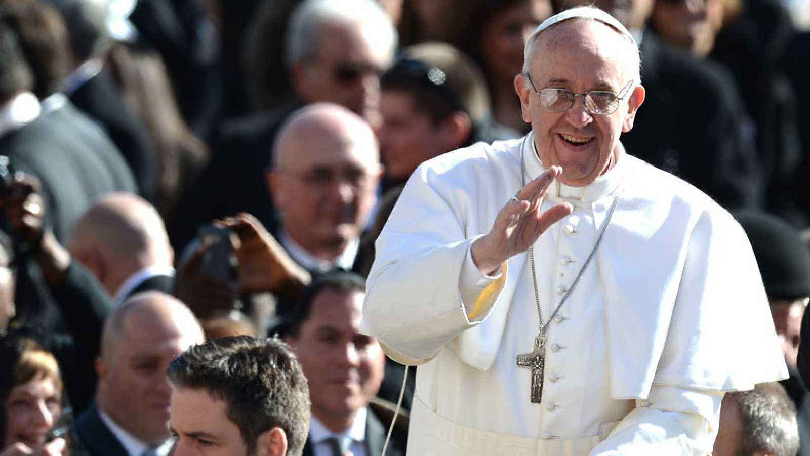El Papa Francisco lanza a políticos y empresarios un mensaje de responsabilidad