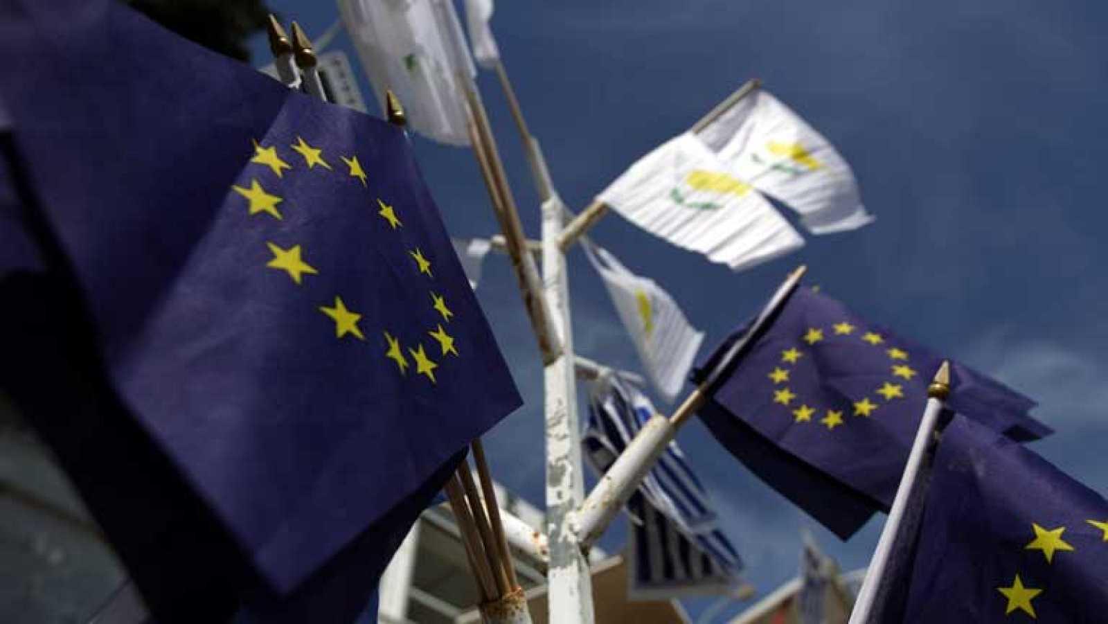 Chipre salva su pertenencia al euro