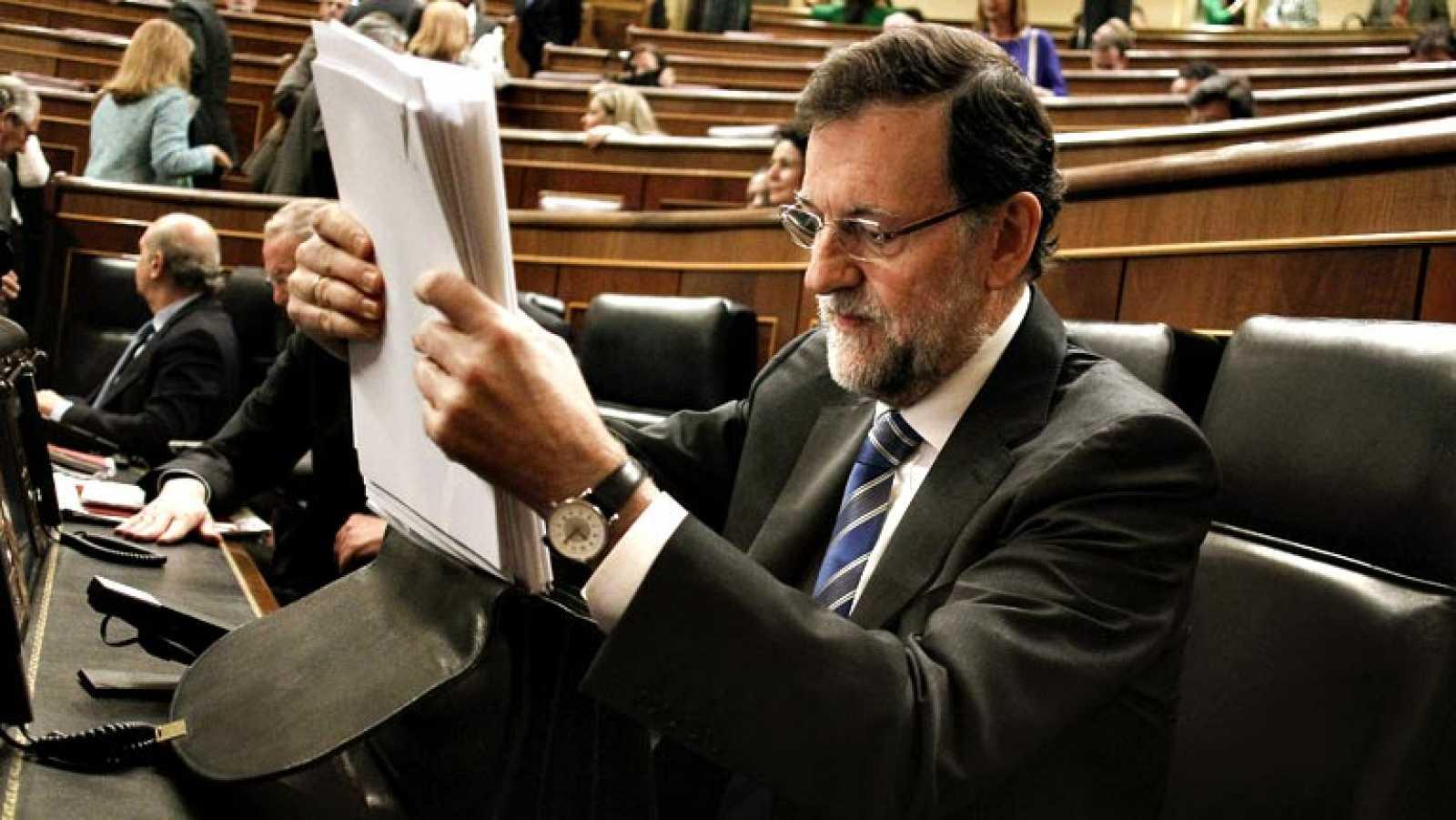 """Rajoy asegura que """"no hay cambios de rumbo"""" sino un """"nuevo escenario"""" que permite """"mayor holgura"""""""