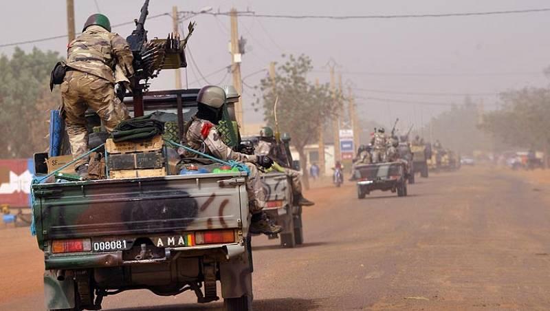 La UE compromete apoyo financiero a Mali a cambio de reformas democráticas