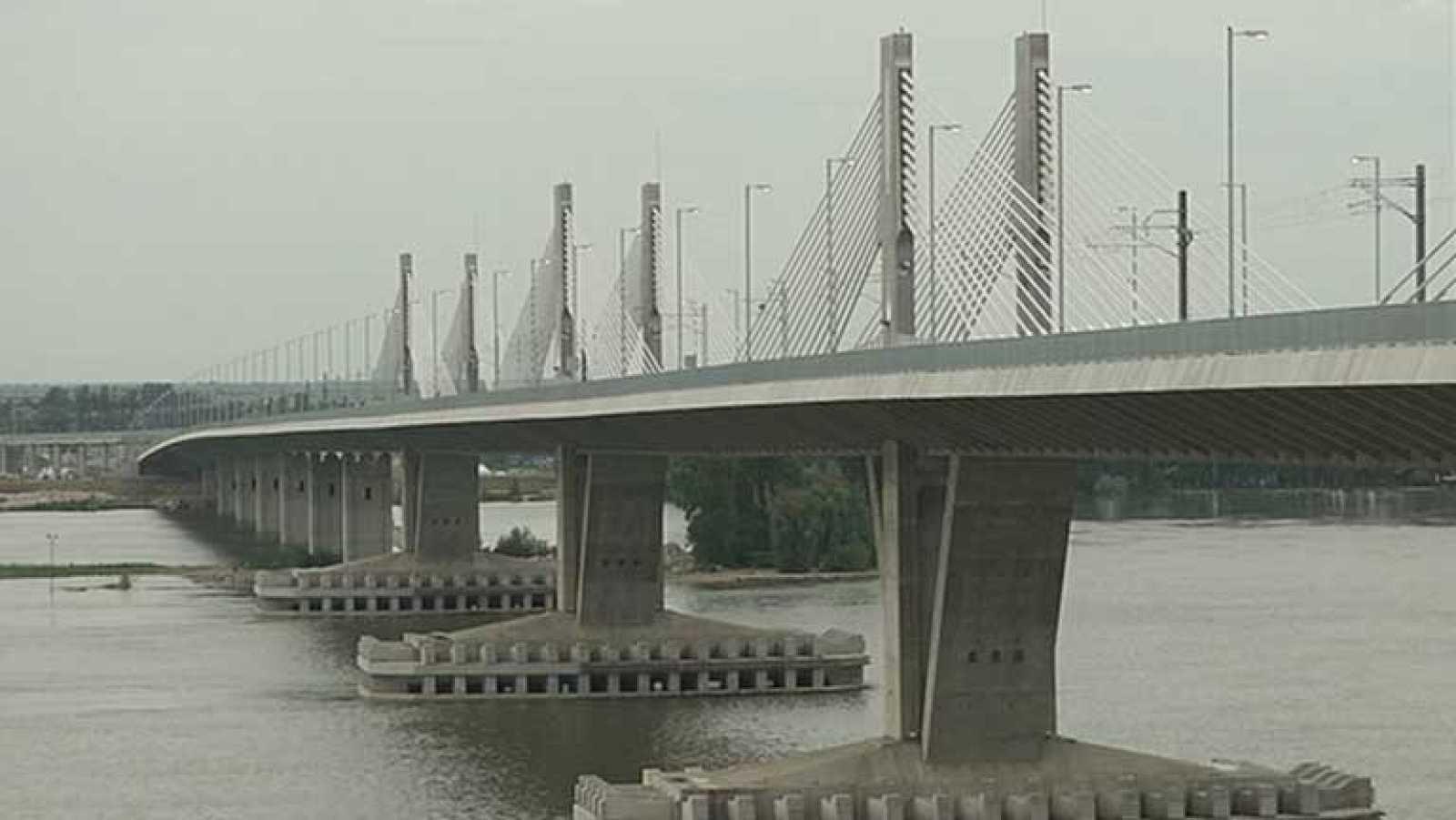 Una empresa española construye sobre el Danubio el puente más largo de Europa