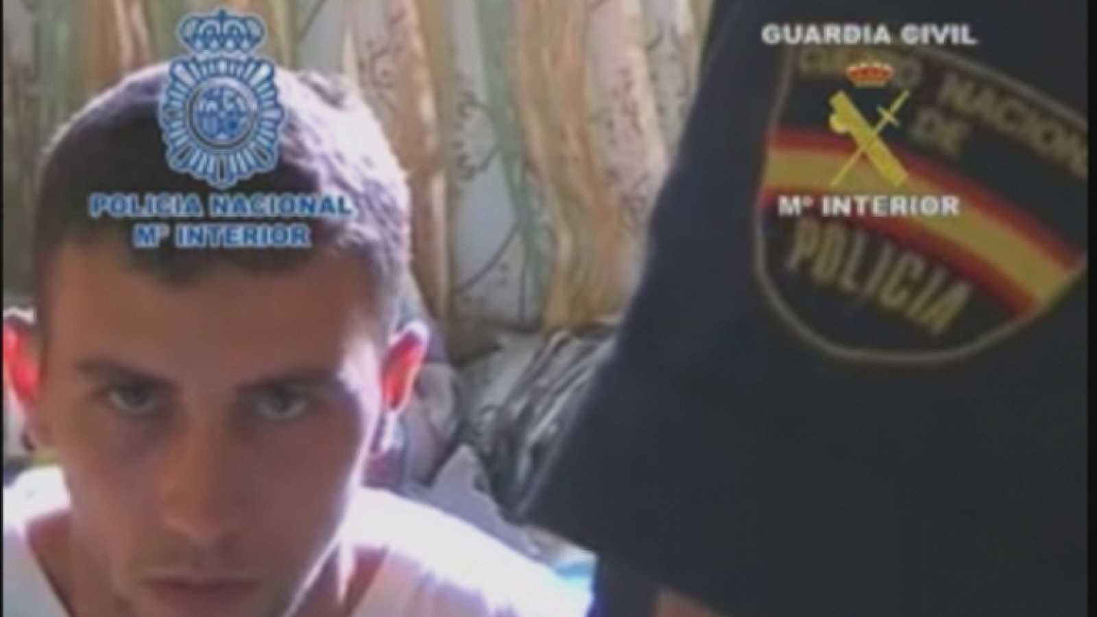 Imágenes de los ocho detenidos en Ceuta que captaban terroristas yihadistas para enviarlos a Siria