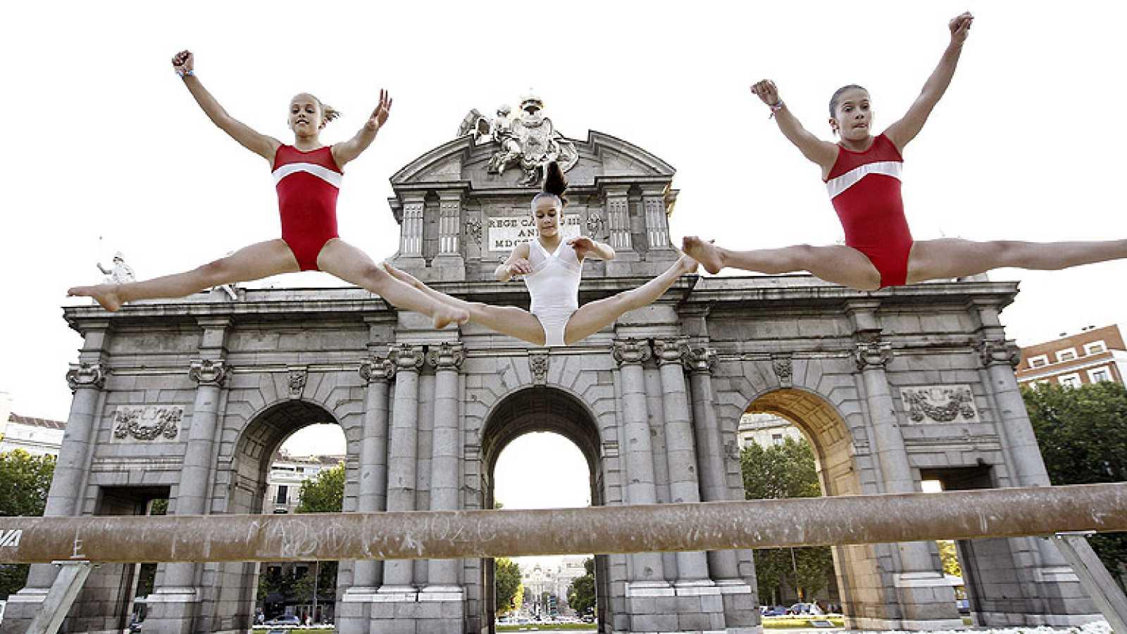 La Noche del Deporte invadió los puntos más emblemáticos de Madrid con pruebas olímpicas y una carrera popular en la que se expresó el deseo popular de que la capital sea la elegida para organizar los Juegos Olímpicos de 2020.
