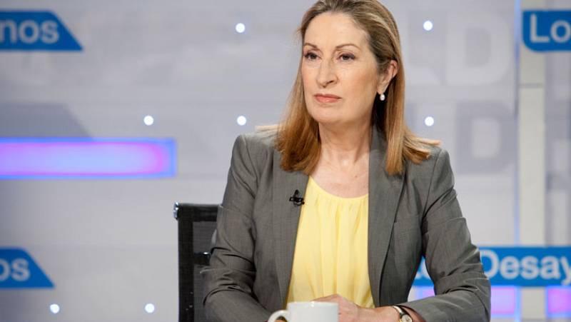 La ministra de Fomento, partidaria de que AENA siga siendo pública