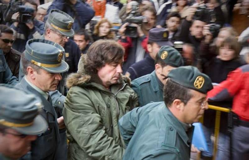 Informe Semanal analiza cómo se capturó en Portugal a 'El Solitario', el atracador más buscado y peligroso de España.