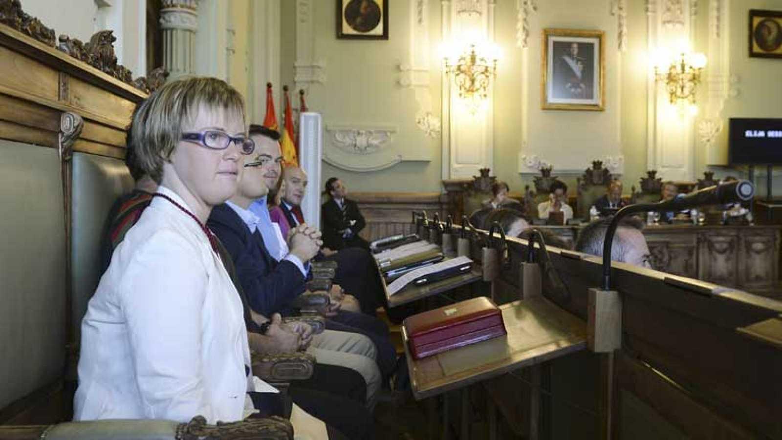 Ángela Bachiller, con síndrome de down, jura su cargo como concejala