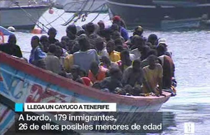 Interceptado un cayuco con 179 inmigrantes cuando navegaban rumbo a Tenerife, entre ellos 25 posibles menores de edad (29/06/08).