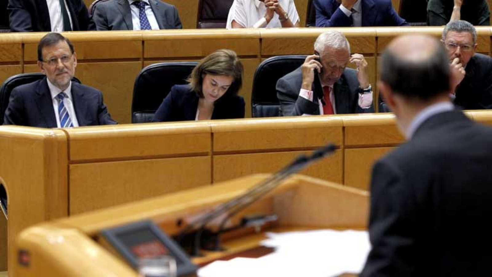 Acusaciones mútuas entre Rubalcaba y Rajoy