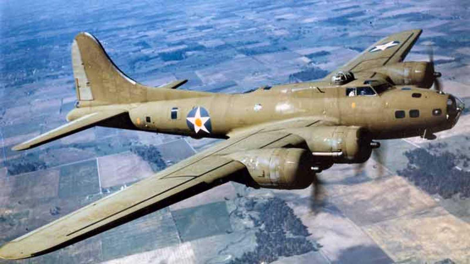 El bombardero que derrotó a los nazis vuelve a surcar los cielos