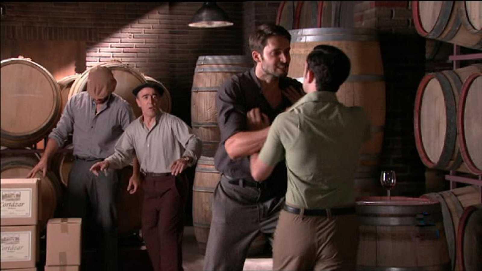 Roberto pega a Rafael (Capítulo 71)