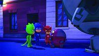 Catboy and Gekko's robot rampage