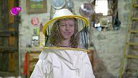 Martina, la encantadora de abejas