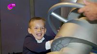 Mateo en el  Museo de Ciencias