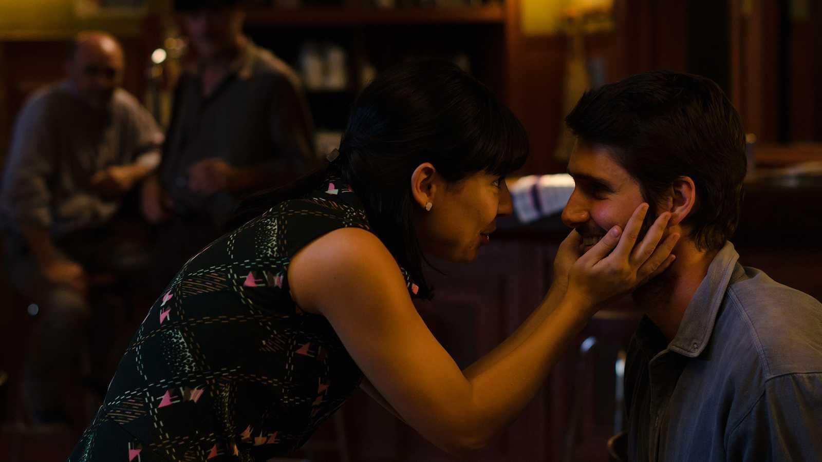 Gran Reserva. El origen - Capítulo 74 -Ortega detiene a Santiago Miranda, lo que provoca la reacción airada de Luis contra Elena - ver ahora