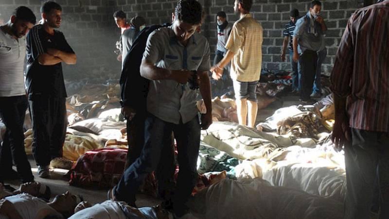 La oposición siria denuncia que cientos de personas han muerto en un ataque con armas químicas en Damasco