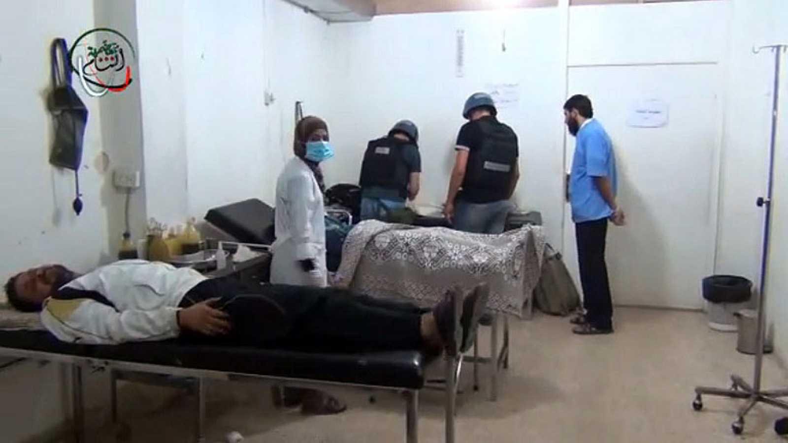 Inspectores de la ONU visitan una de las zonas afectadas por el ataque químico en Damasco