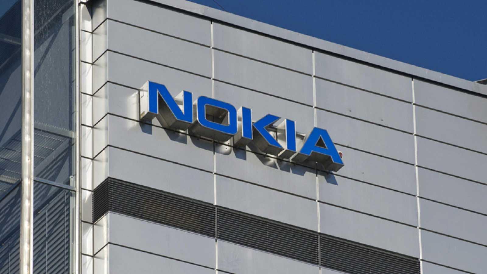 Microsoft compra el departamento de telefonía móvil de Nokia por 5.440 millones de euros