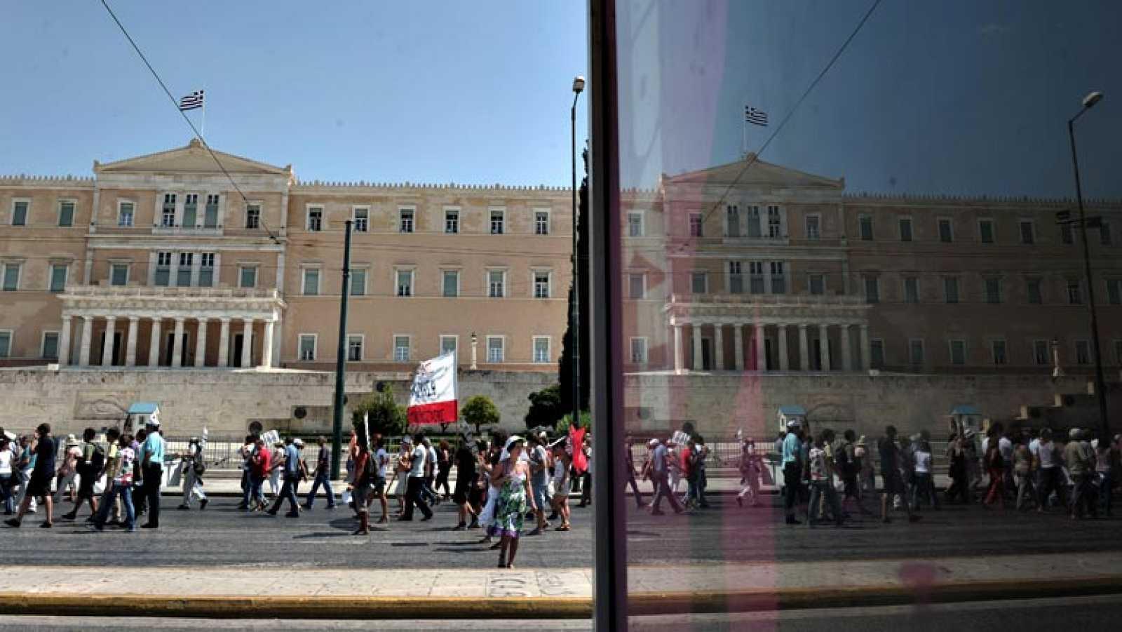 El jefe del Eurogrupo admite que Grecia necesitará un tercer rescate
