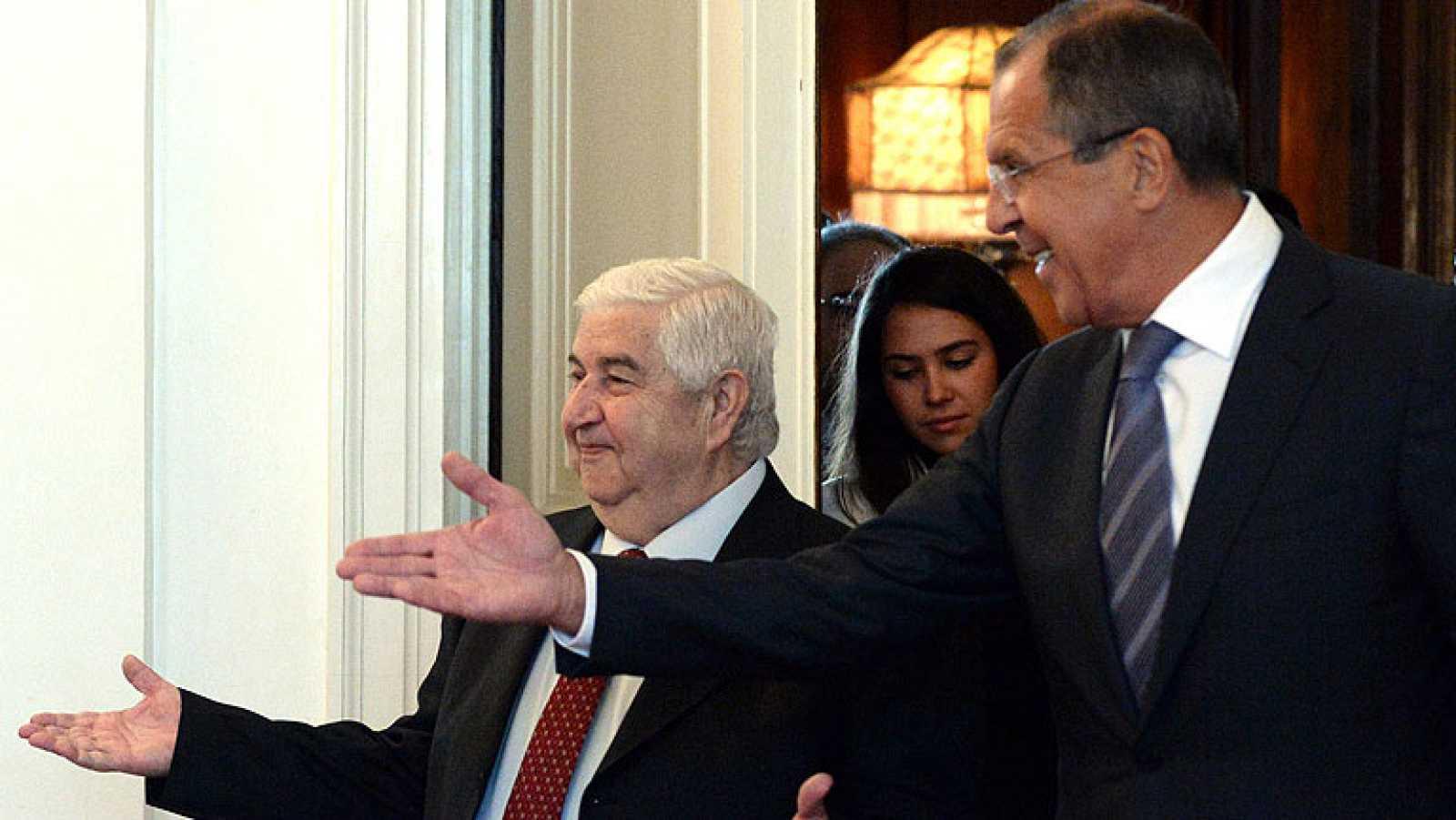 Los ministros de Exteriores ruso y sirio coinciden en que todavía hay tiempo para evitar la acción militar en Siria
