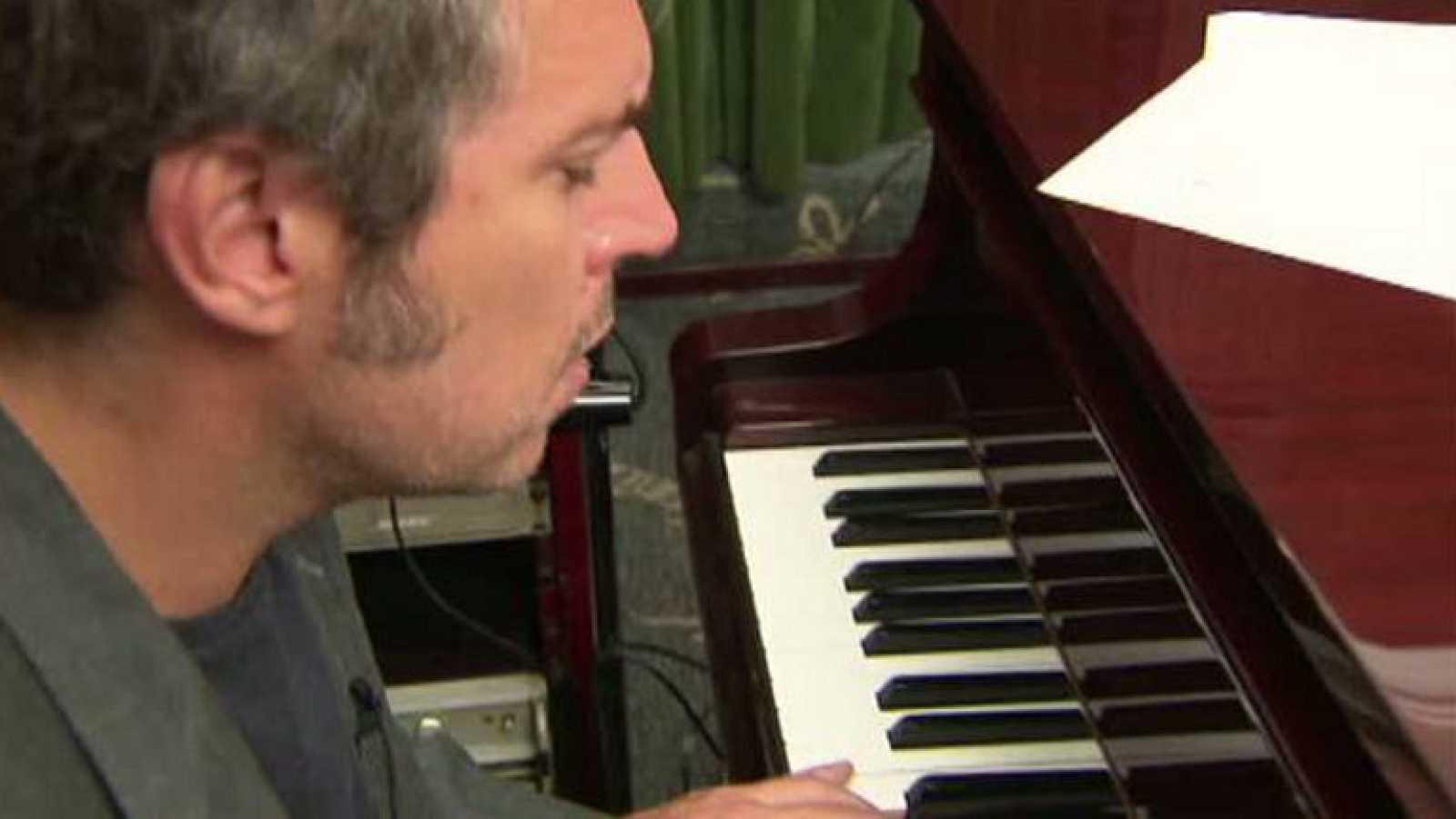 """Iván Ferreiro interpreta """"Una inquietud persigue mi alma"""" en acústico - Ver ahora"""