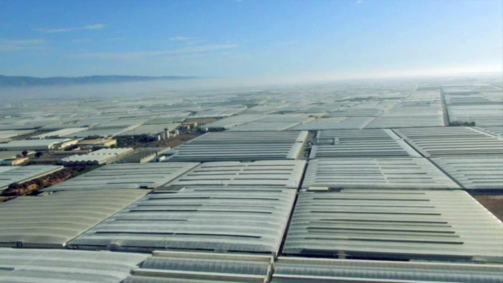 España a ras de cielo - El mar de plásticos de Almería