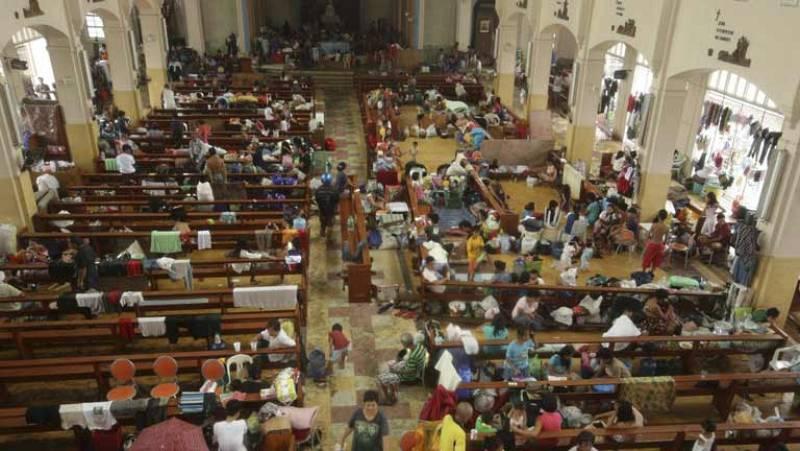 Reportaje sobre la iglesia de los pobres en Latinoamérica y su relación con  la teología de la liberación.