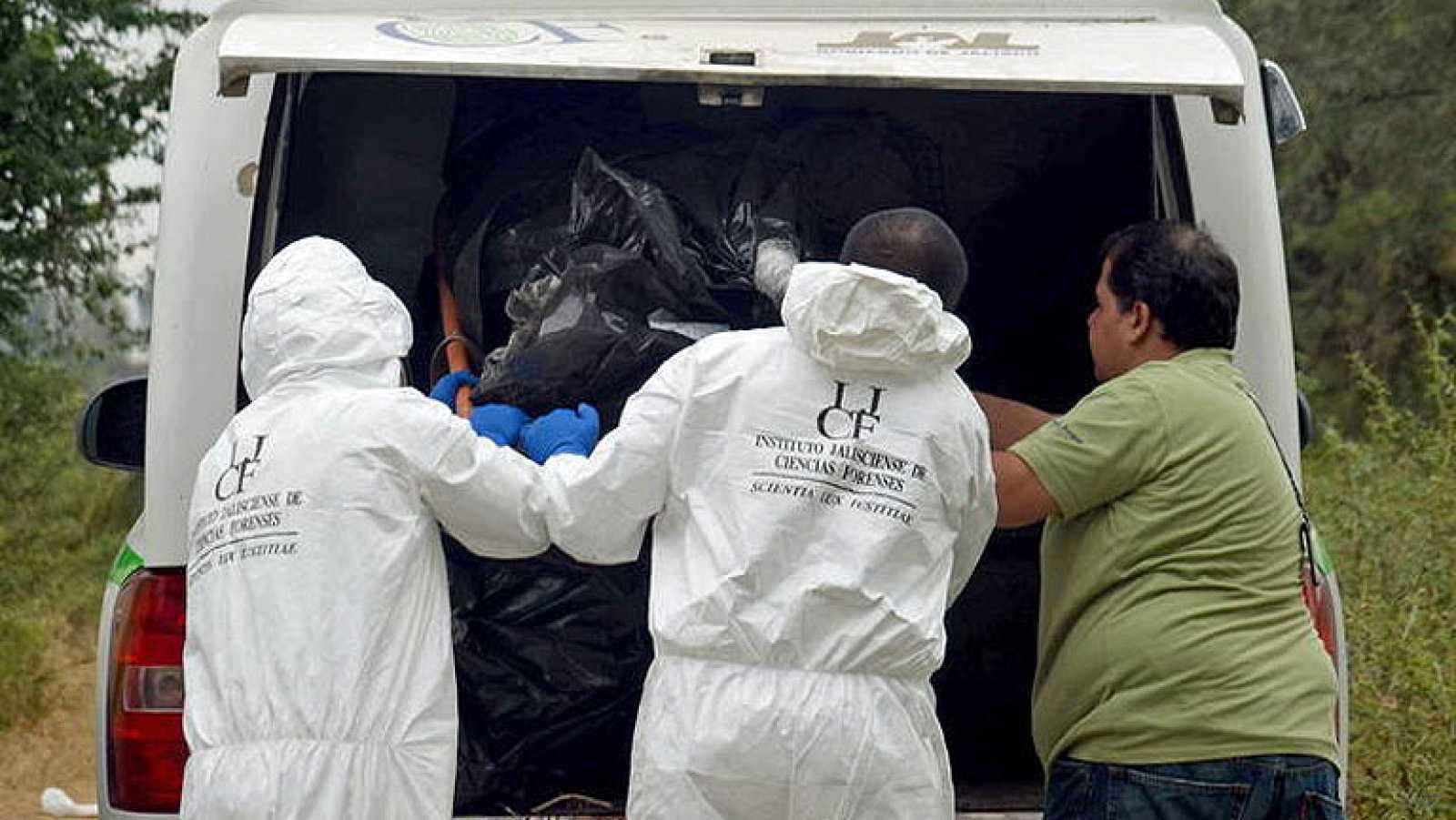 Encuentran al menos 20 cadáveres en México en la búsqueda de dos policías desaparecidos
