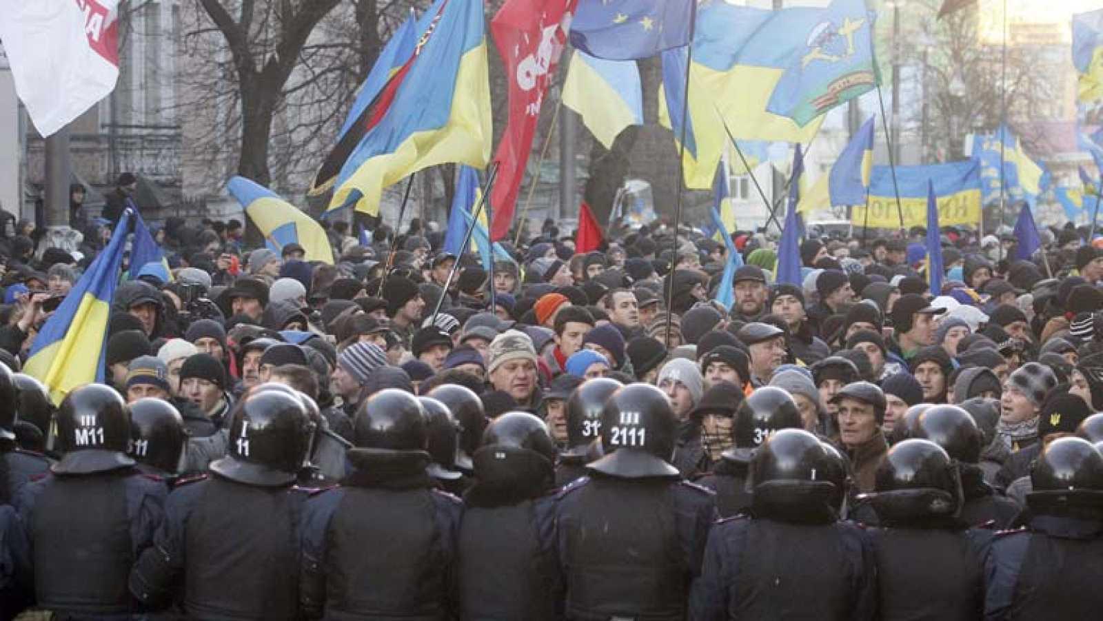 El Gobierno ucraniano supera la moción de censura presentada por varios grupos de la oposición