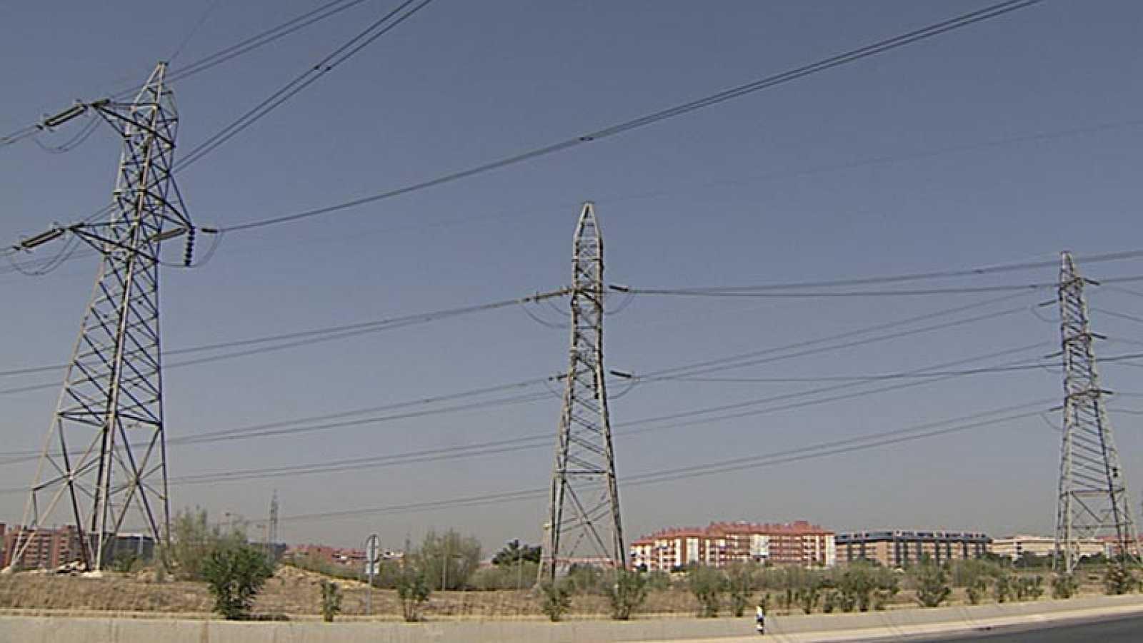 """Competencia analiza los """"movimientos inusuales"""" en los precios mayoristas de la electricidad"""