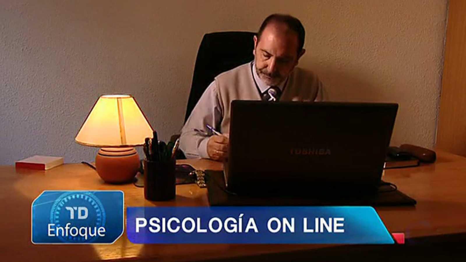 Psicología online: cambiar el diván por la videoconferencia y la consulta por el salón de casa