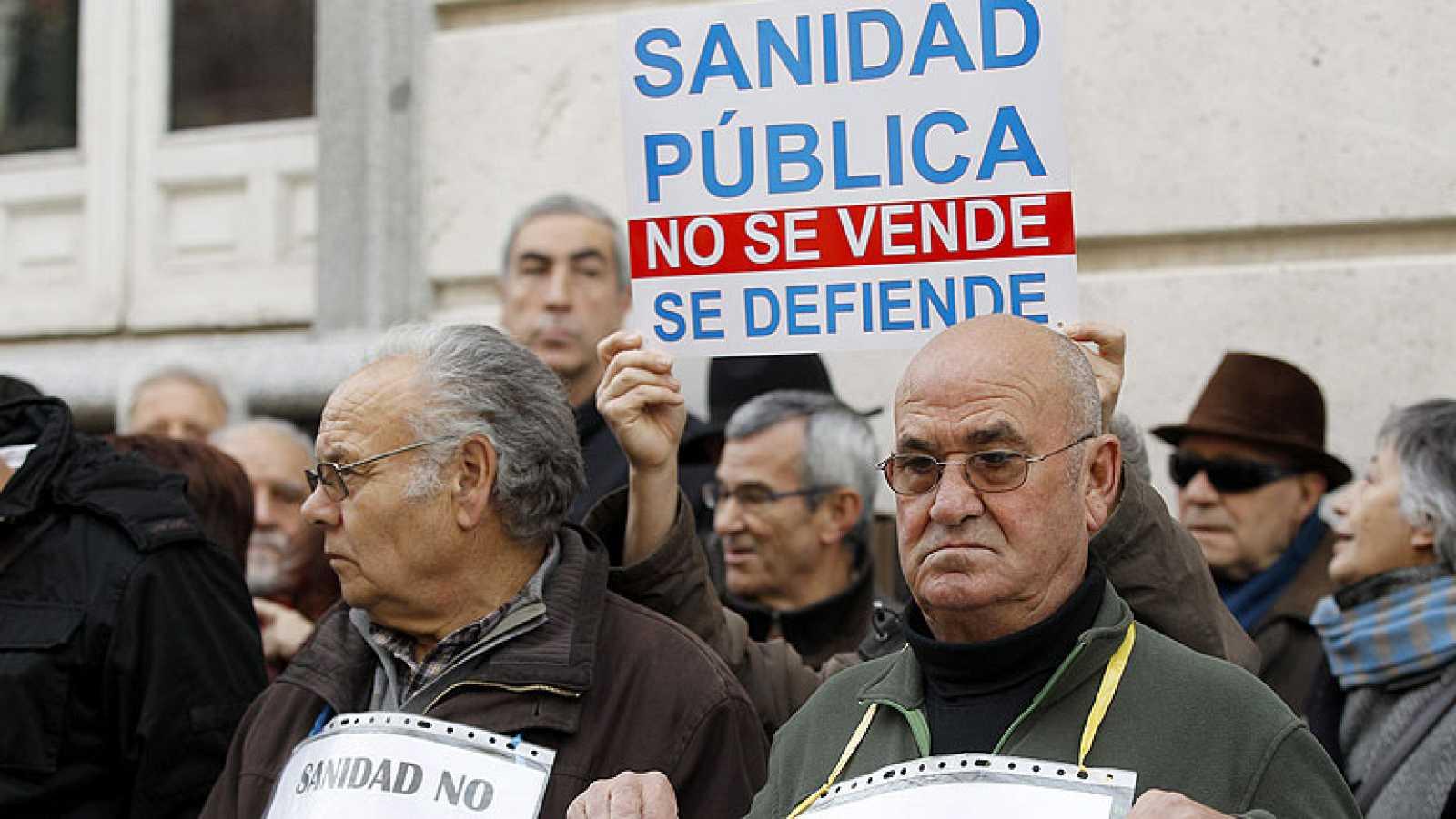 La privatización de loa gestión de los hospitales de Madrid sigue en suspenso