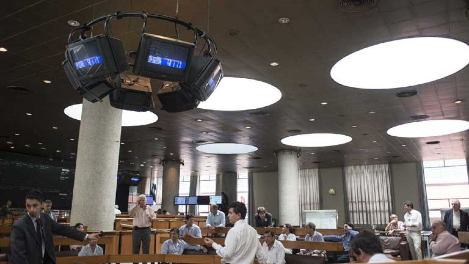 El peso argentino pierde casi el 18 por ciento de su valor en lo que va de año