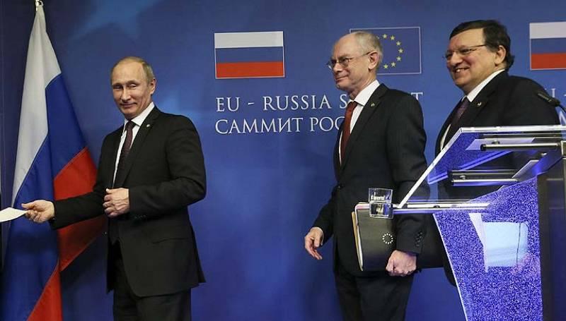 """Putin critica las injerencias de """"intermediarios"""" en Ucrania y asegura que Rusia no interferirá"""