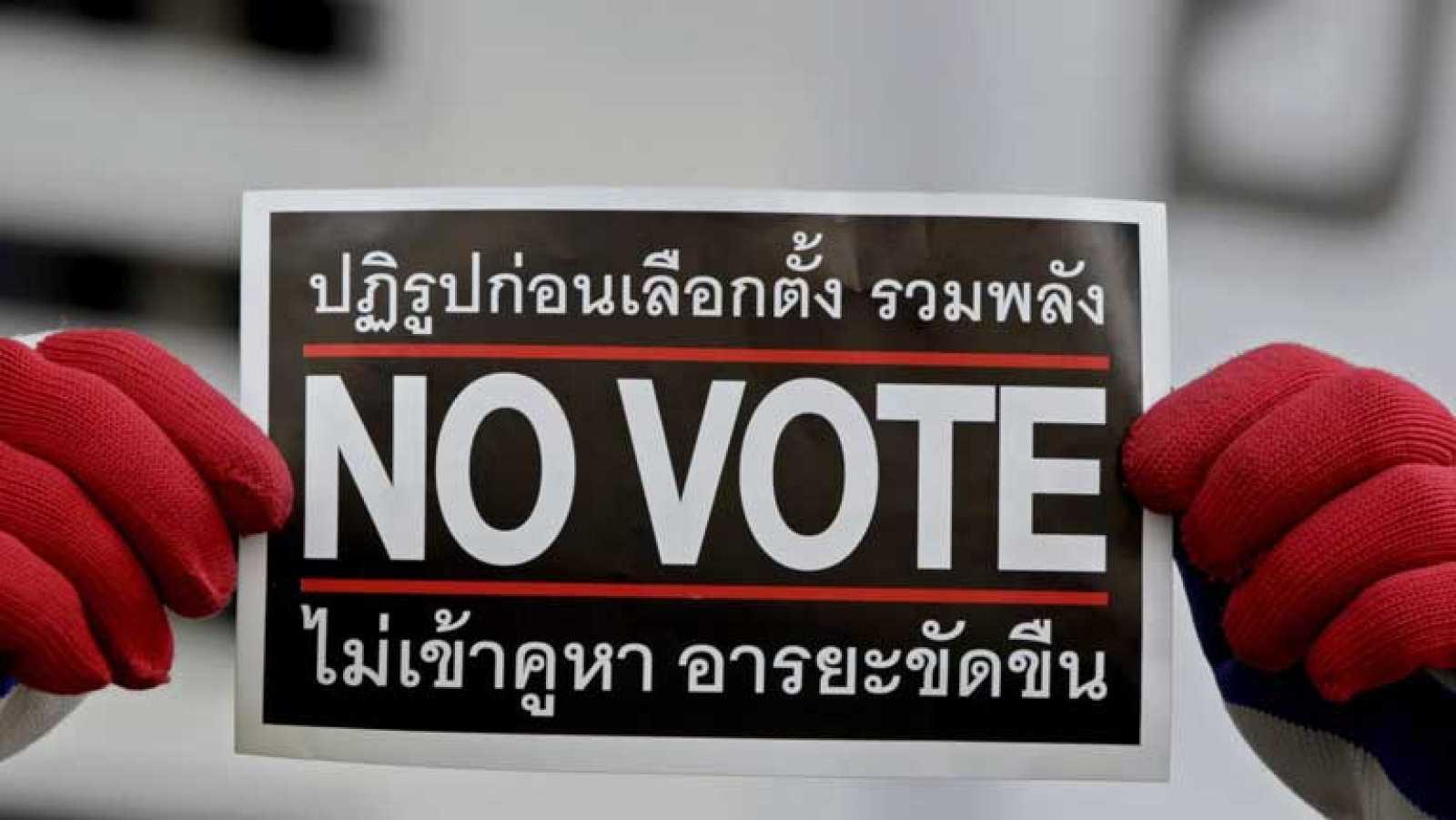 Votación en Tailandia en unas elecciones condenadas desde el principio