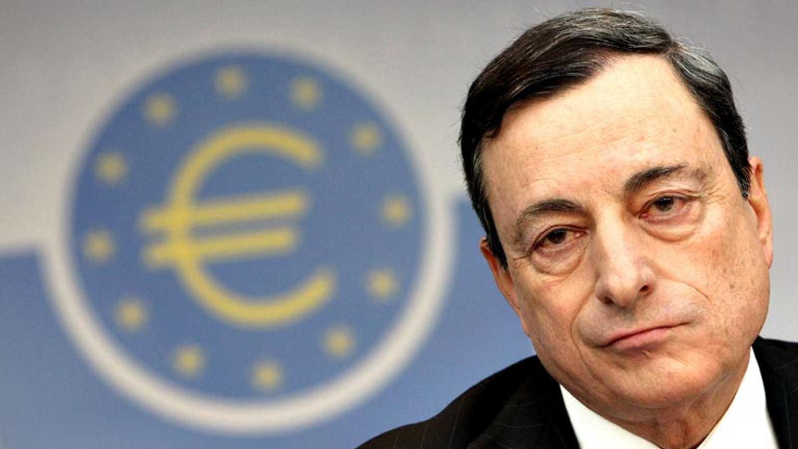 Draghi dice que la inflación seguirá baja en la zona euro e insiste en que está listo para actuar