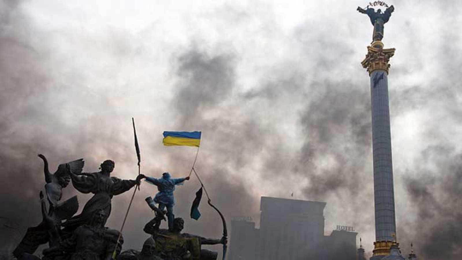 Kiev se sume en la violencia y el caos tras el fin de la tregua