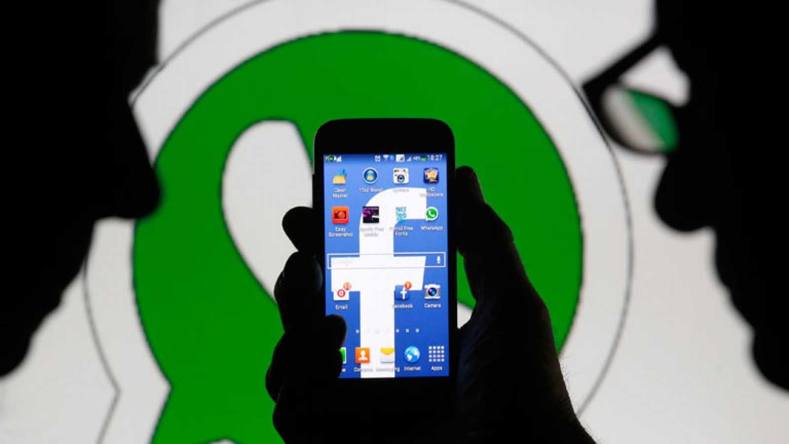 Facebook compra Whatsapp para ganar tiempo en el móvil