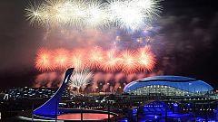 Los fuegos artificiales pusieron el punto y final a los Juegos de Sochi