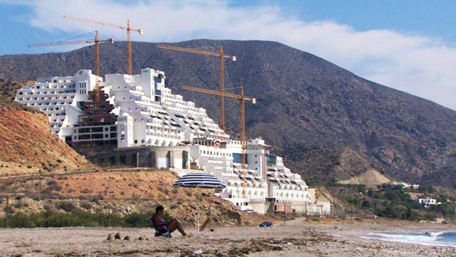 Crónicas - Un hotel con vistas - ver ahora