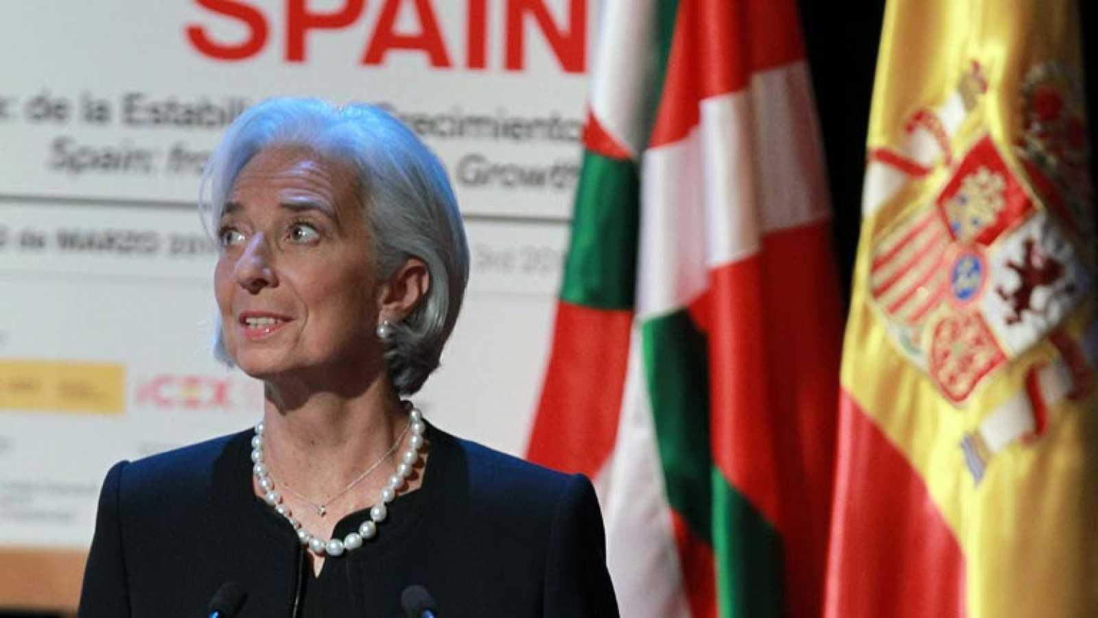 """Lagarde pide profundizar la reforma laboral rebajando los costes, pero """"no necesariamente los salarios"""""""