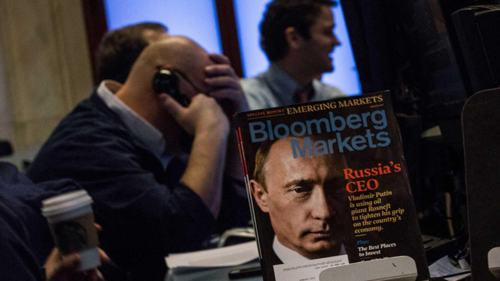 Las Bolsas europeas cierran con fuertes caídas tras la intervención rusa en Ucrania