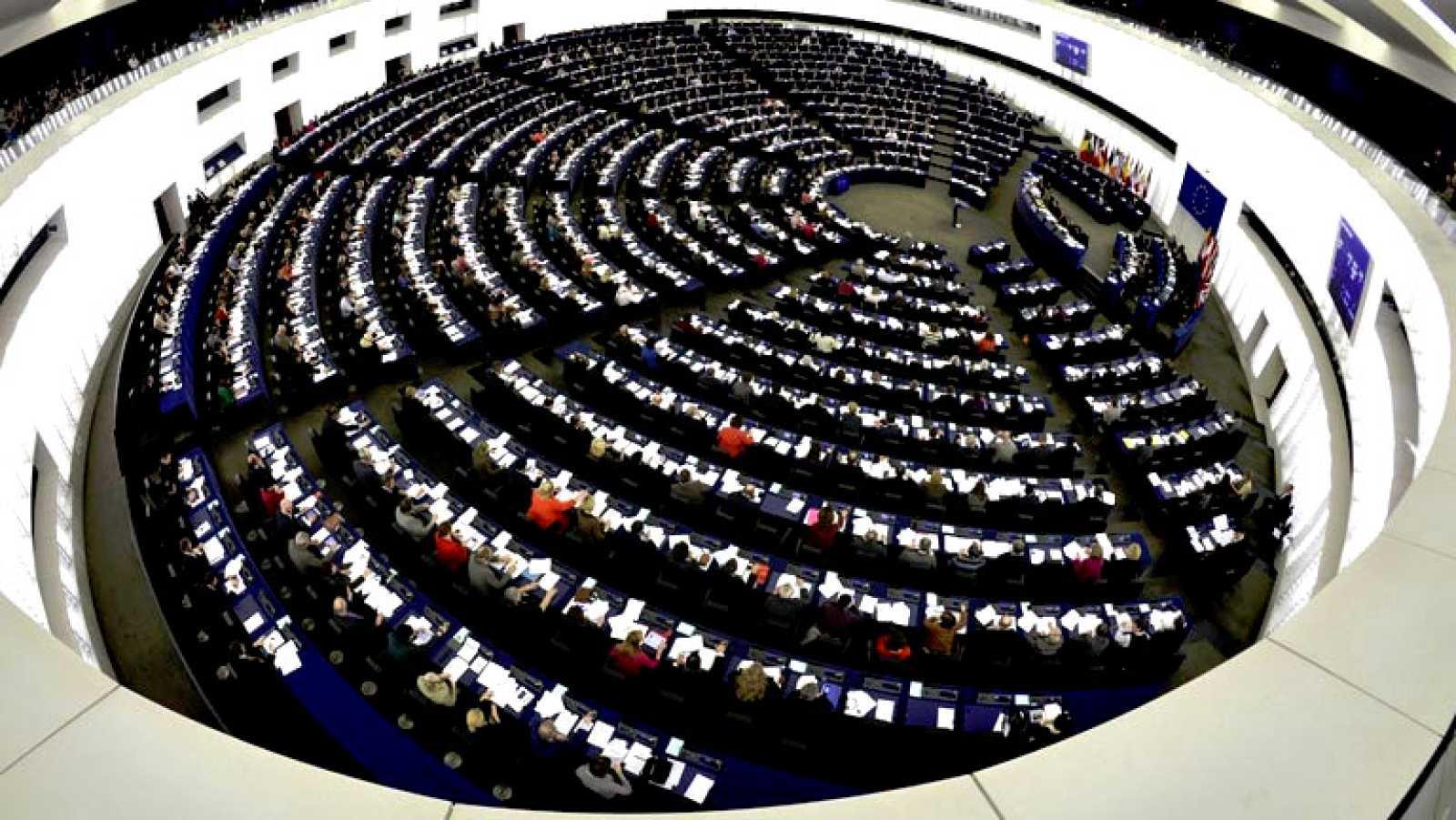 La Eurocámara critica el funcionamiento de la troika y los efectos sociales de su actuación