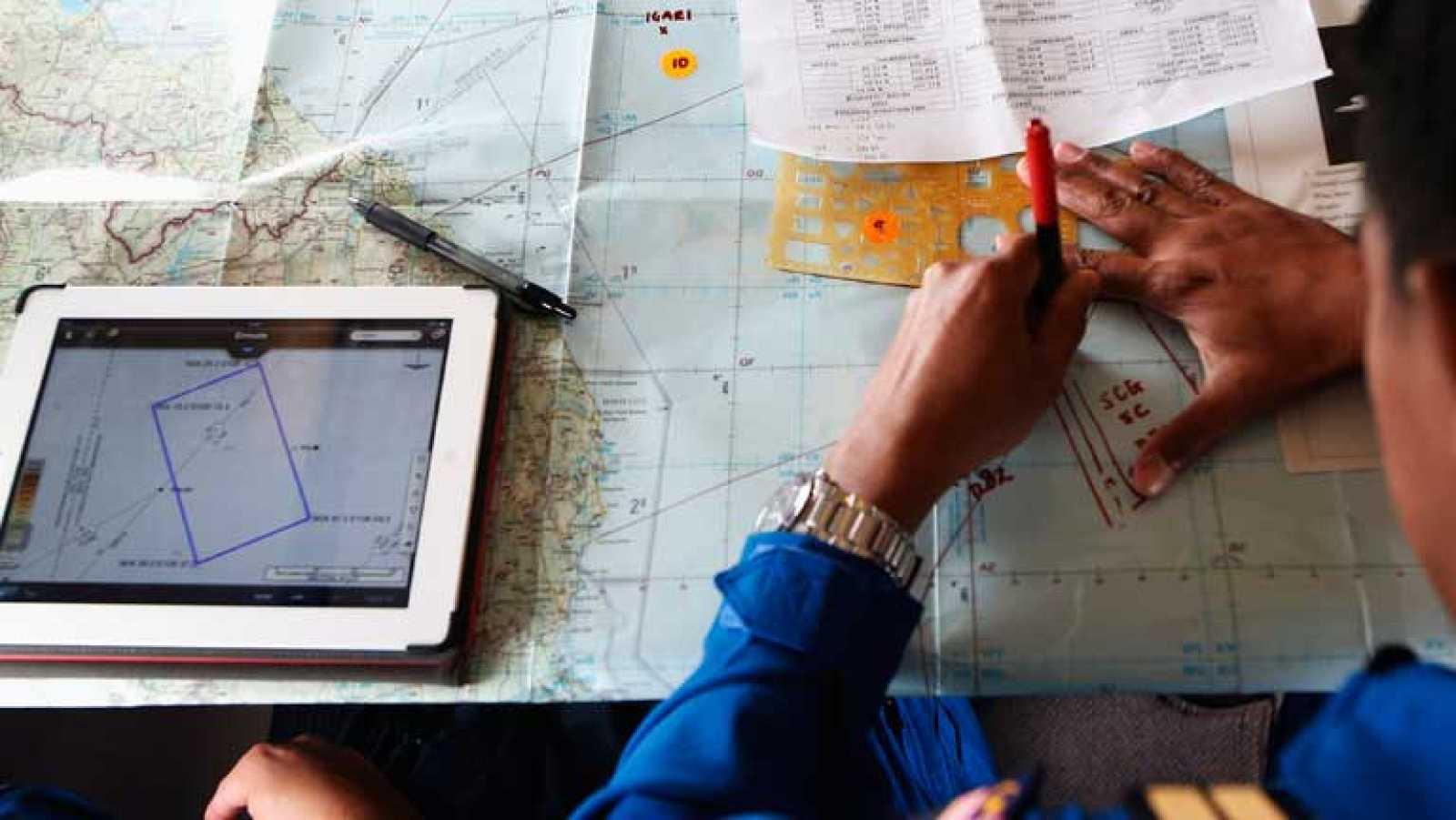 El misterio del vuelo MH370 da un giro hacia el oeste