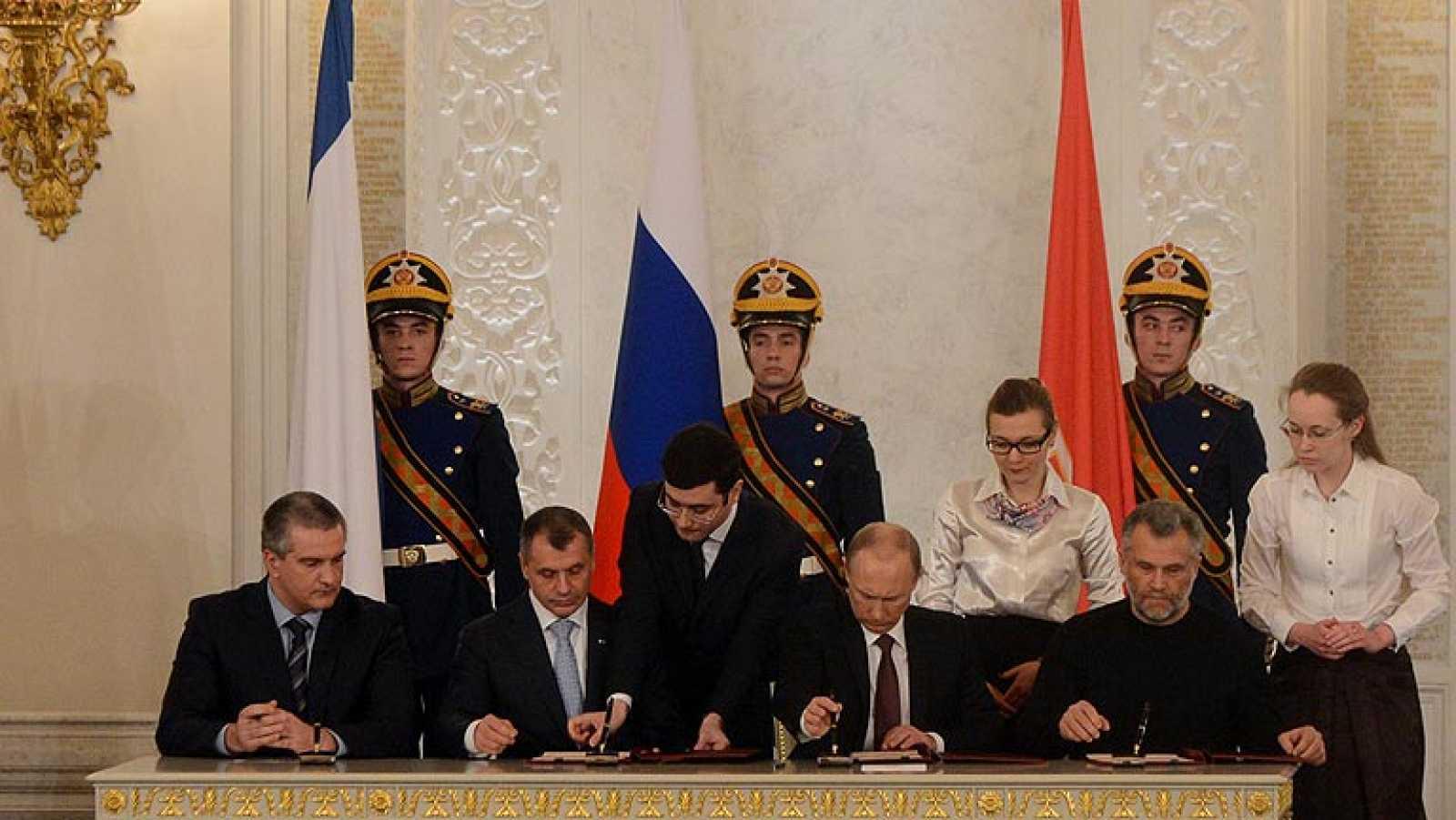 Putin firma la anexión de Crimea a Rusia, que deberá ser ratificada por el Parlamento