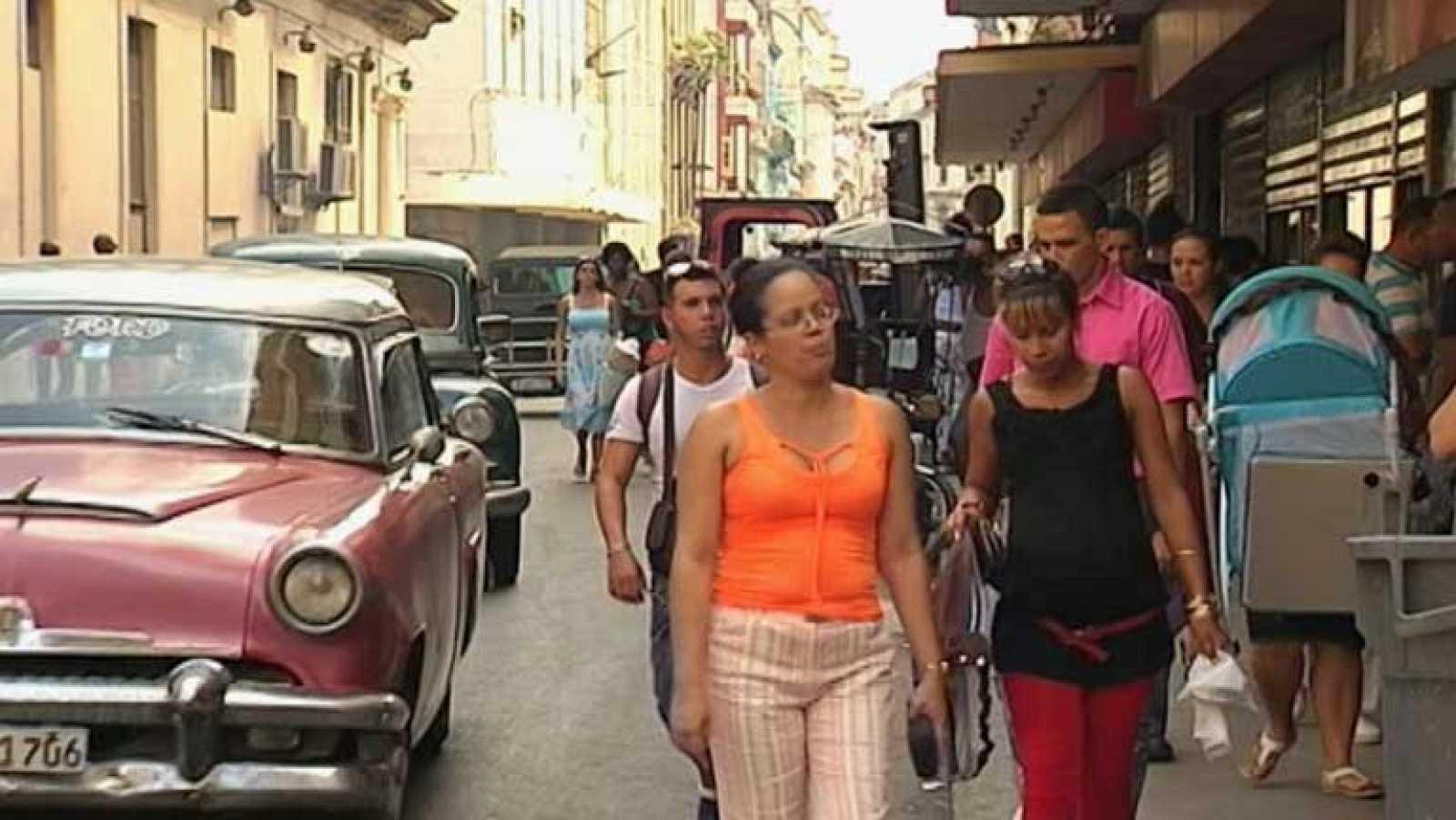 Los cubanos no quitan ojo a la crisis en Venezuela y siguen inquietos por las protestas
