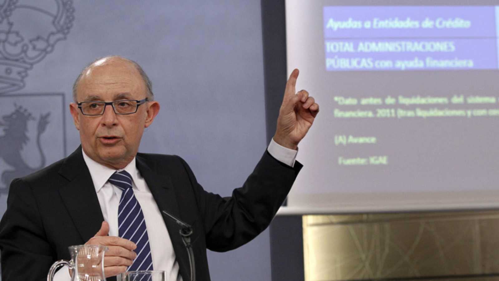 Cristóbal Montoro presenta al consejo de Ministros los datos de déficit de las administraciones públicas en 2013