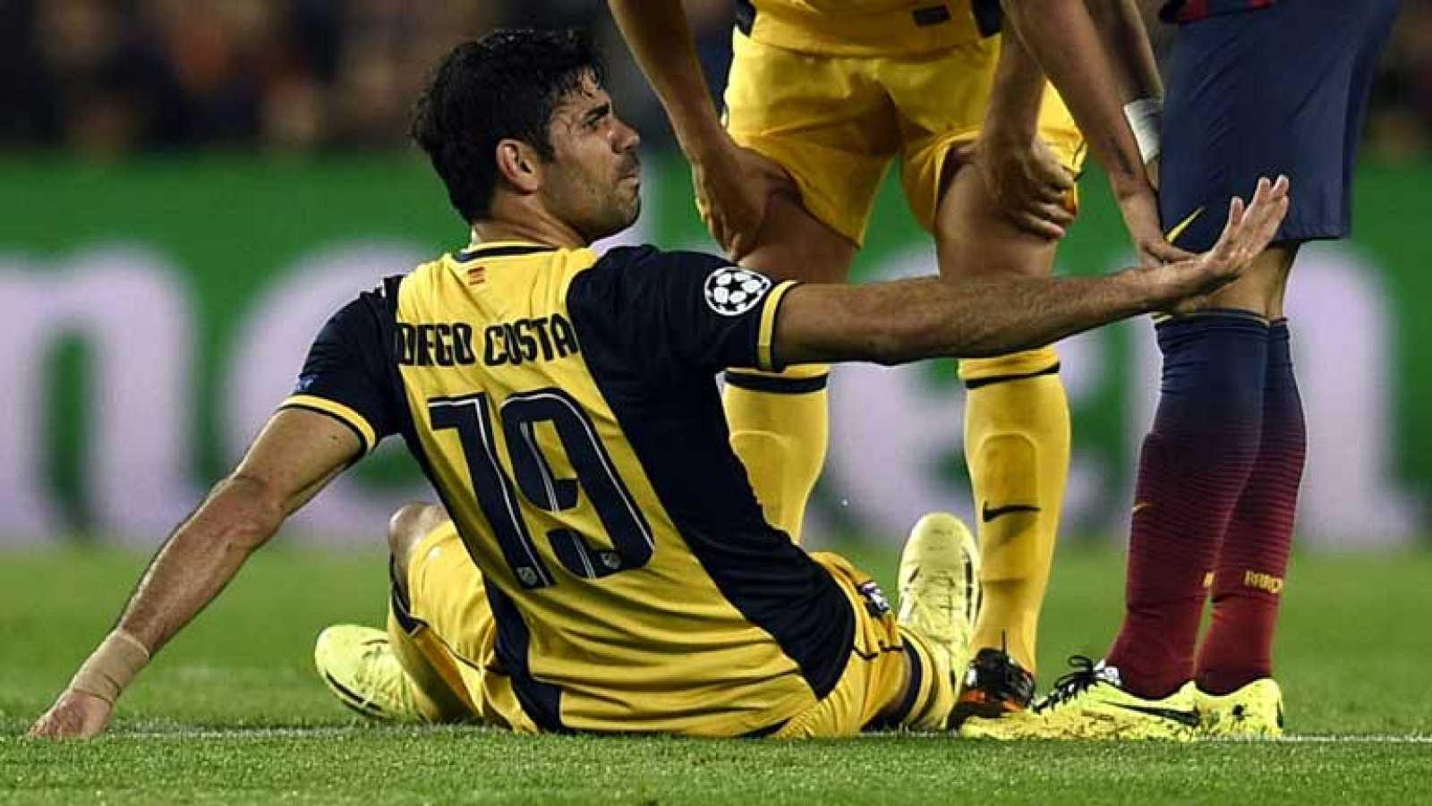 El delantero hispanobrasileño Diego Costa ha tenido que ser cambiado en el minuto 30 del partido Barça-Atlético de Madrid, al notar un pinchazo en los músculos isquiotibiales de la cara posterior del muslo derecho, hecho que ha confirmado que el juga