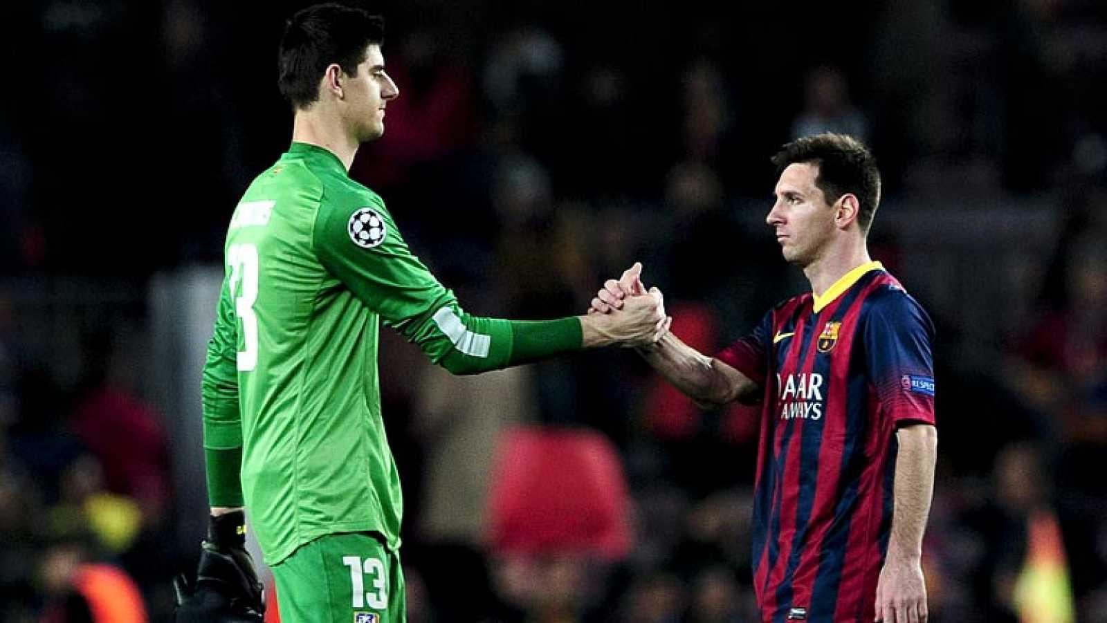 Es uno de los partidos más intensos e igualados que se puede presenciar ahora mismo en Europa. Un lujo para los futboleros, que en el mismo escenario y el mismo día pueden ver haciendo diabluras con un balón a Messi, Iniesta, Diego Costa, Neymar y co